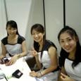 左)川真田和美さん、中央)朝霧ひかるさん