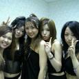 ダンサー OneSeven(左からKeiko、Miharu、Mariko、Mai)
